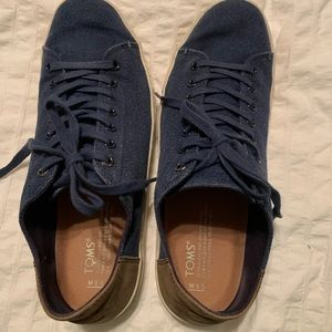 Men's Navy Toms Shoes Barely Worn